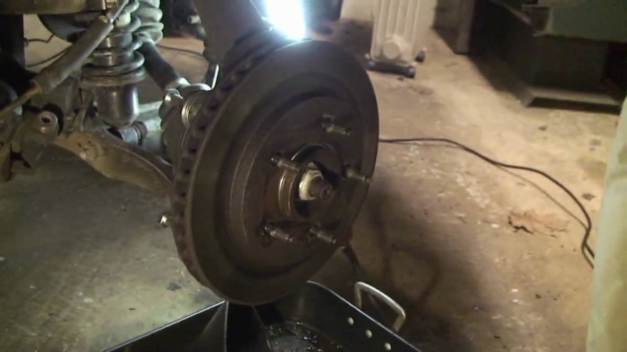2000 Ford Expedition Removing Rusted Stuck Brake Rotors