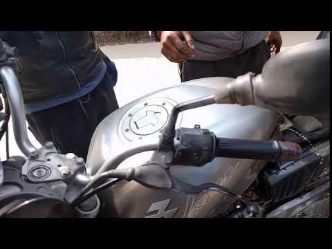 Nepal (Patan) - Problemas con la moto