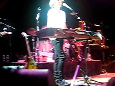 NAKED BROTHERS BAND LIVE IN CHICAGO SINGING YOUR SMILE