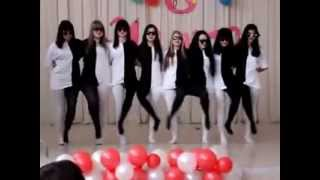 "Black and White Tights Dance  (with ""Tanz"" lyrics)"