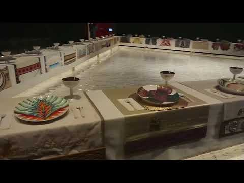 Видео Judy chicago dinner party essay