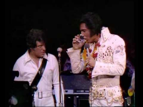 Elvis Presley intruduce his band in Aloha From Hawaii 1973