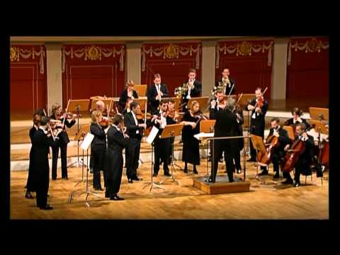 MOZART ~ Divertimento # 1 In E Flat (Winds And Strings)  HARTMUT HAENCHEN