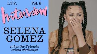 "Baixar Fan or Fraud? Selena Gomez Takes The ""Friends"" Trivia Challenge!"