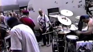 (1999) System Of A Down - Jamming [cut] - Parking Lot Jam
