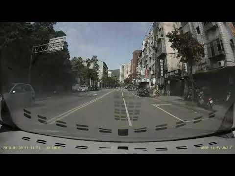 危險三貼騎車轉彎害人!