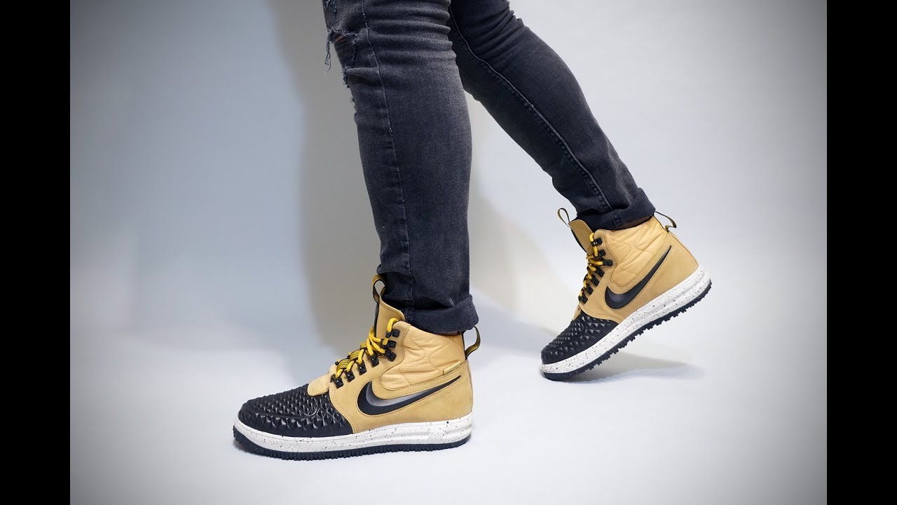 Nike Lunar Force Duckboot 17 Metallic Gold On Feet - YouTube 2a4d23f36