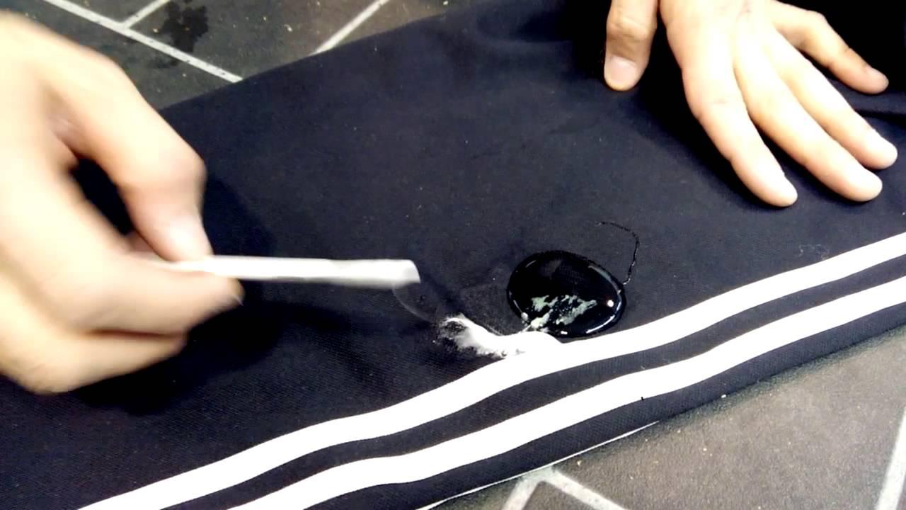 Wie Bekommt Man Kaugummi Aus Klamotten schnelle methoden der kleidung aus kaugumm mit shampoo zu reinigen