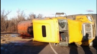Top truck crashes, truck accident compilation 2013 Part 11
