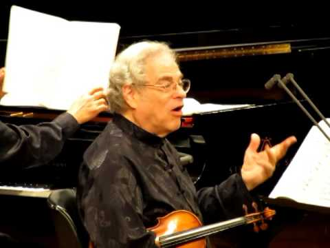 Itzhak Perlman Talks to Audience about Encore