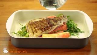 - Бавно печено свинско месо со компири