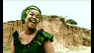 Download lagu Marta Mulhule Louvai ao Senhor dos Céus MP3