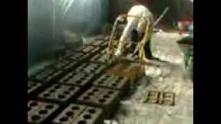 ВМ-2В станок для производства блоков на 2 формы 500шт в смену 89373358883(Техническая характеристики: Шлакоблочный станок ВМ-2в на 2 блока Подъем универсальной матрицы механический..., 2014-07-17T09:49:13.000Z)