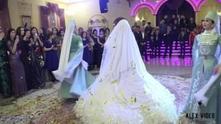 Церемония снятия платков на карачаевской свадьбе
