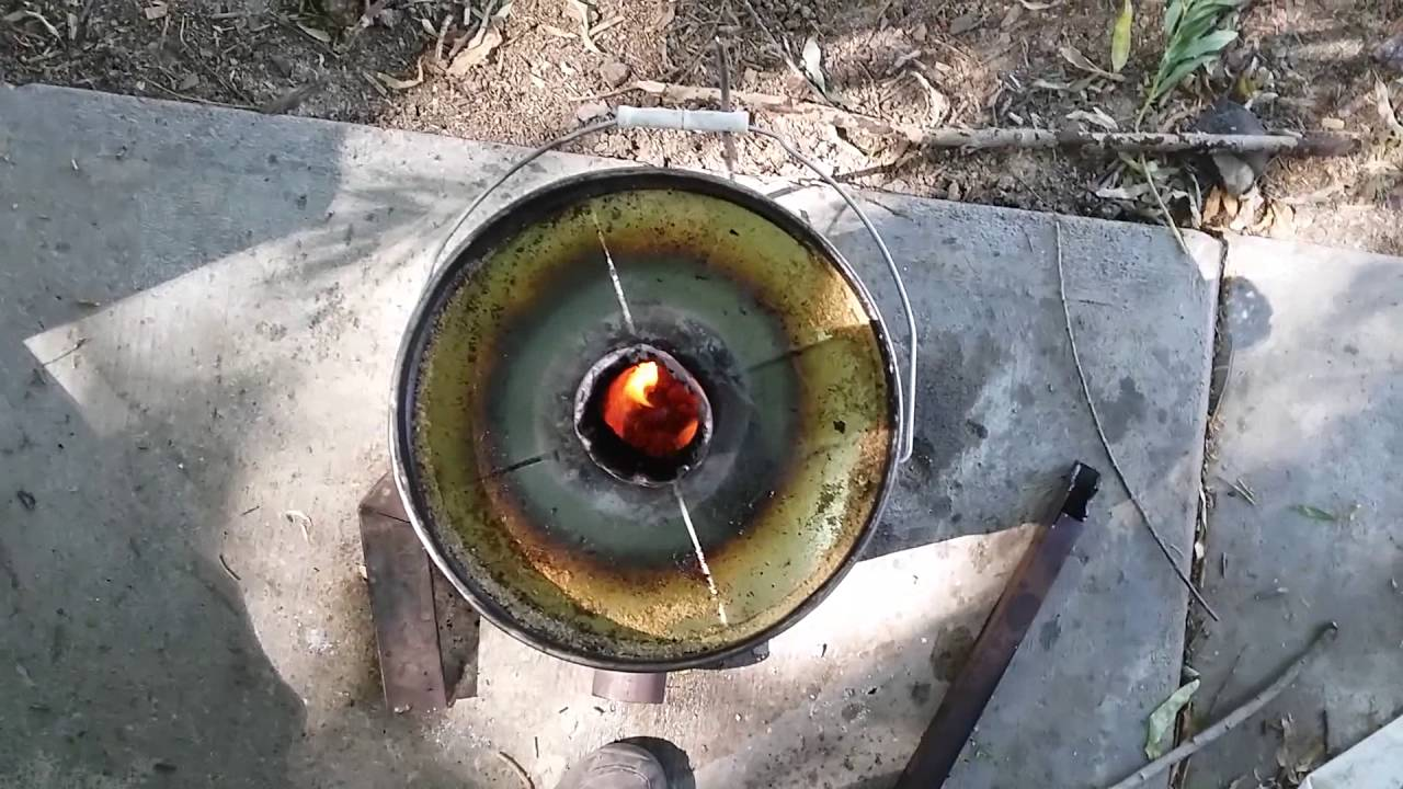Hour burn with a sawdust waste oil rocket stove