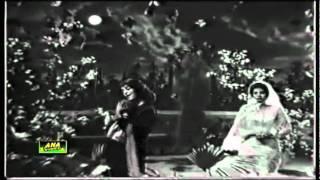 Mala begum sings  Nazeer Qaiser - MOHABBAT MEIN SARA JAHAN -( INSANIYAT )