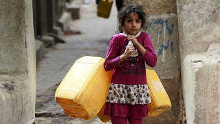 ЮНИСЕФ: йеменские дети умирают от болезней из-за голода (новости)(http://ntdtv.ru/ ЮНИСЕФ: йеменские дети умирают от болезней из-за голода. Йемен вернулся на десятилетие назад в..., 2017-02-01T10:34:18.000Z)