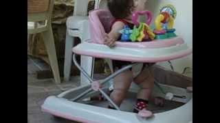 В первые на ходунках ))))(моя принцесса))))и этим все сказано!, 2012-07-18T17:49:48.000Z)