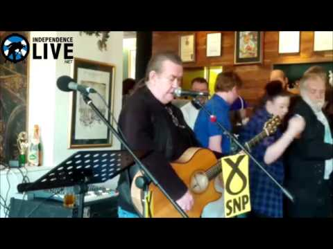 Dick Gaughan sings Both Sides the Tweed during #GE2015 and mentions @WingsScotland in intro
