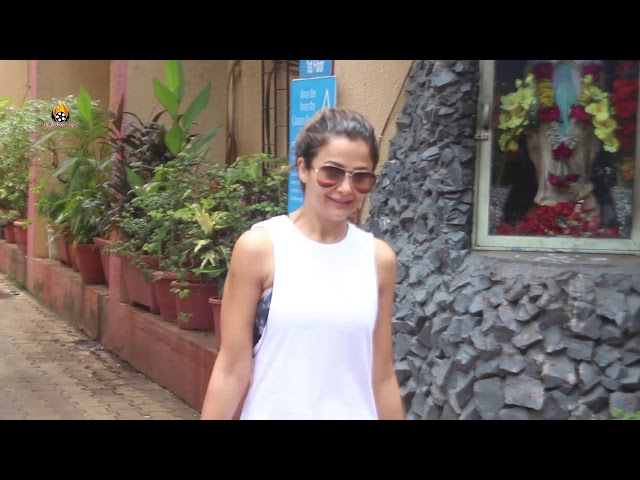 AMRITA ARORA KHAN SPOTTED AFTER YOGA SESSION