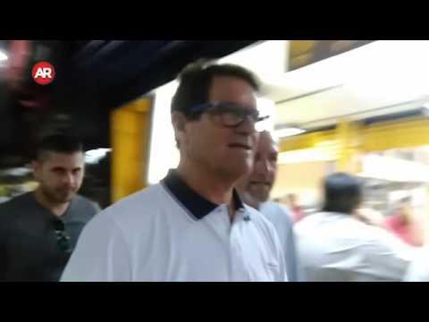 Exentrenador del Real Madrid Fabio Capello en el mercado central