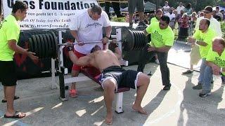 Man Attempts 725-Pound World-Record Bench Press