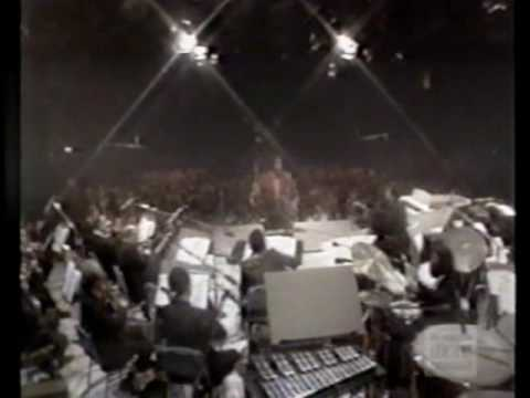 Barry White & Love Unlimited Orchestra - Love's Theme (Live on Midnight Special 1974).mpg