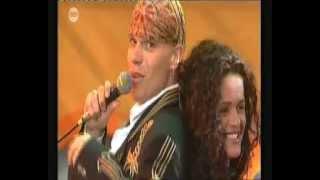 The Dinky Toys ft. Bea Luna - Declaración de Amor (1994)
