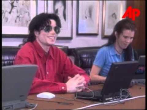MJ DISMISSES DIVORCE CLAIMS FROM LISA 1995