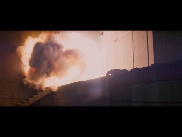 ロック様が超大ジャンプ!映画『スカイスクレイパー』日本版特報
