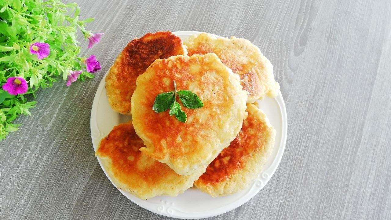 Clatite cu mere /Pancakes con le mele/Apple pancakes