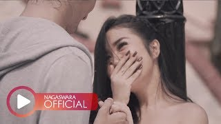 Download Lagu Dinda Permata - Seseorang Dihatimu (Official Music Video NAGASWARA) #music mp3