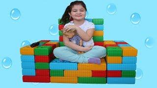 ELİF ÖYKÜYE LEGOLARDAN KOLTUK YAPTIK - Elif Öykü made a Chair fun kid video