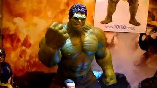 The Hot Toys Hulk and other collectables at the London Film and Comic Con