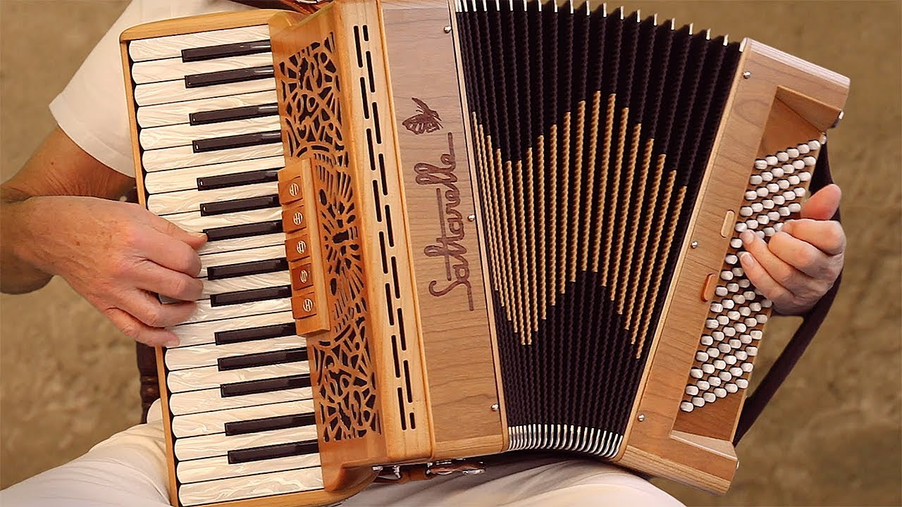 Italian Music TARANTELLA NAPOLETANA accordion Fisarmonica Akkordeonmusik  Acordeon The Godfather