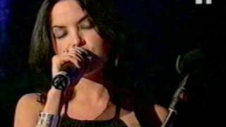 Gambar cover The Corrs - Queen Of Hollywood - Montreux Jazz Festival 1998