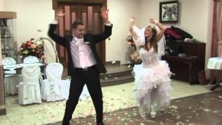 Улетный свадебный танец