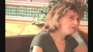 Repeat youtube video Nők bámulják a kolbászt [VICCES VIDEO]