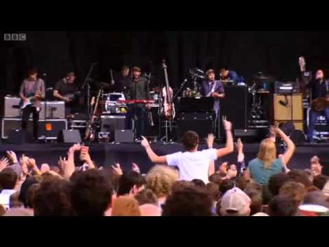 Modest Mouse-Float On-Live Reading/Leeds 2010 (3/5)