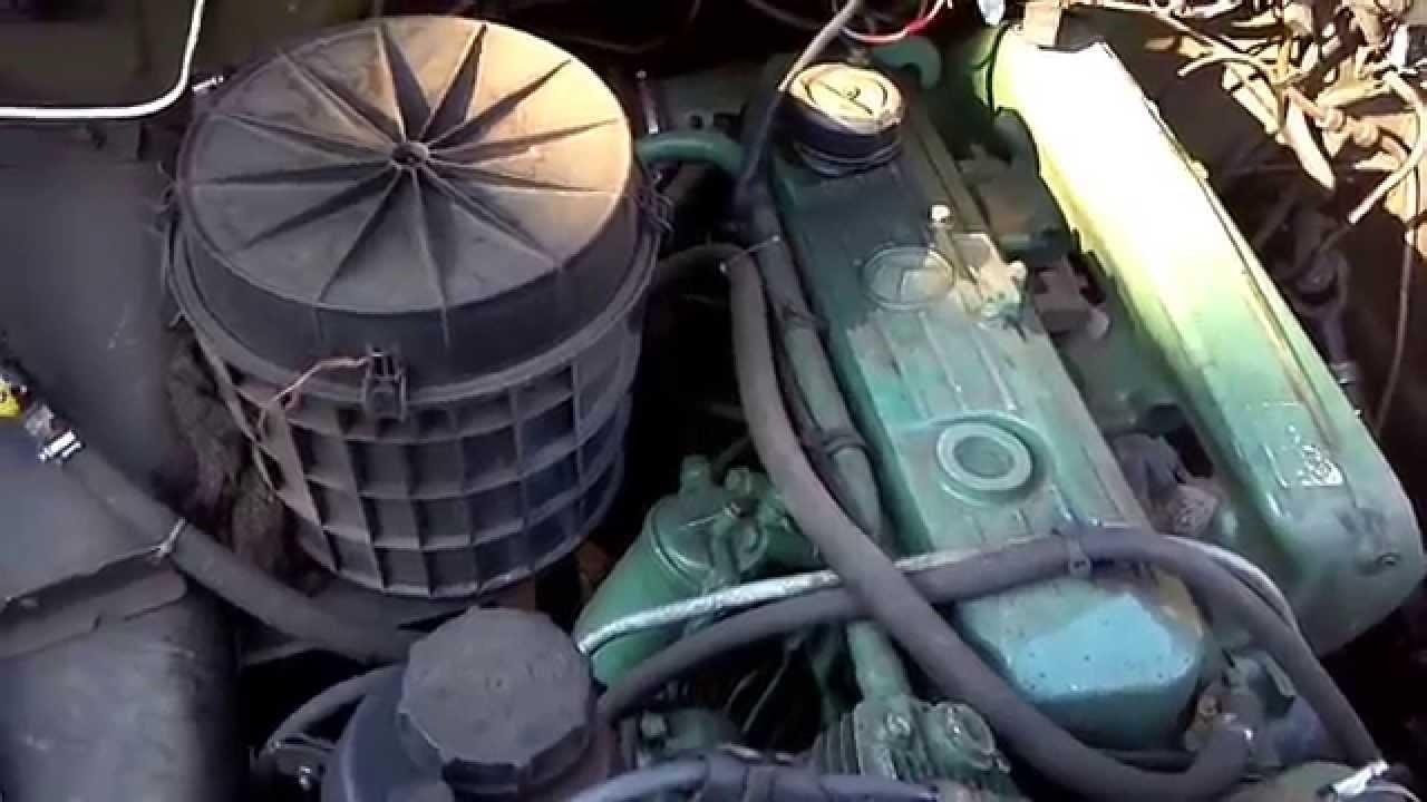 мтз 82.1 вытаскивает ГАЗ 66 4Х4 из балота - YouTube