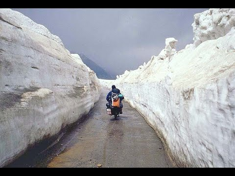 Way to Rothang pass , Manali , Himachal Pradesh , India tourism