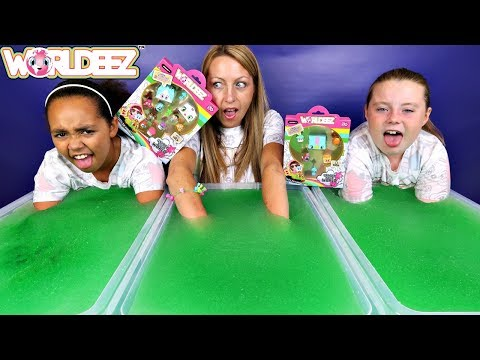 SUPER GROSS! Gelli Baff Slime  Toy Challenge - New Worldeez Surprise Toys Opening