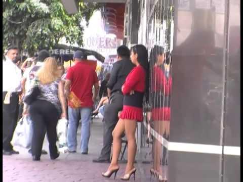 prostituyen follando prostitutas en la calle