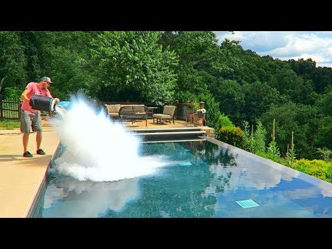 Thumbnail: What Happens If You put 30L of Liquid Nitrogen in the Pool?