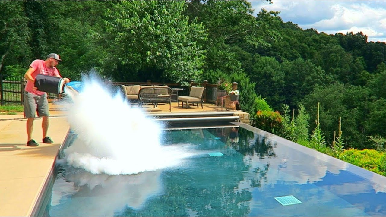 What happens if you put 30l of liquid nitrogen in the pool - How to put hot water in a swimming pool ...