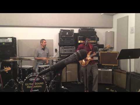 Guitar Prasanna plays A.R. Rahman song Mustafa Mustafa