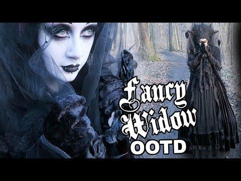 Fancy Widow OOTD | Black Friday