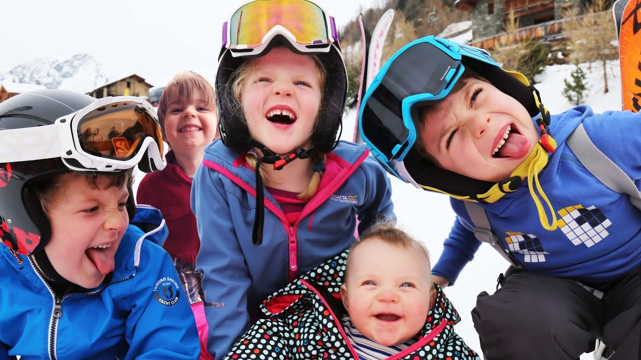 24 hours with 5 kids on a Ski Holiday | Family Travel Vlog ...