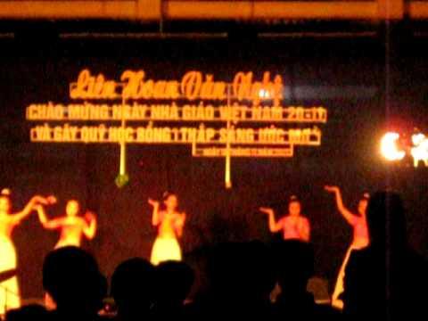 Múa Ấn Độ - Lớp 10A1 (THPT Đạ Huoai)