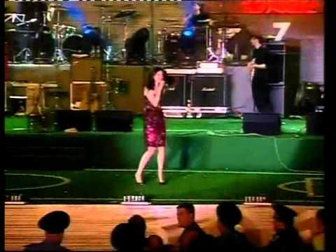 Download Sophie Ellis Bextor в Харькове (in Kharkov) 2013 part 3